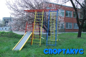 Уличный детский спорткомплекс Витязь